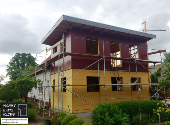 Holzrahmenbau mit Fassaden-platten