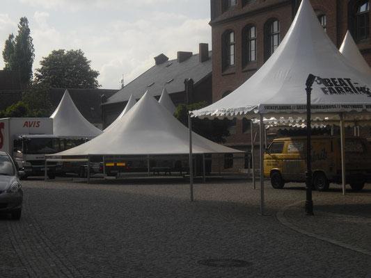 Zeltvermietung Marwitz Festzelte zum Altstadtfest Nauen Pagodenzelte 5x5m Festzelt Zeltverleih Oberhavel Partyzelt mieten Zeltpagode 3x3m Pavillon