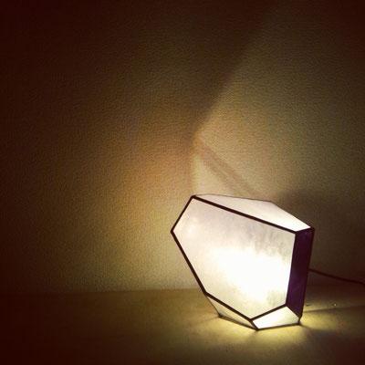 茶寮 つぼ市製茶本舗(設計:インフィクス) スタンド型照明