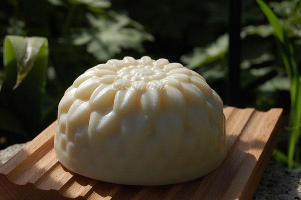 handgerphrte Mangobutterseife mit Kokosmilch
