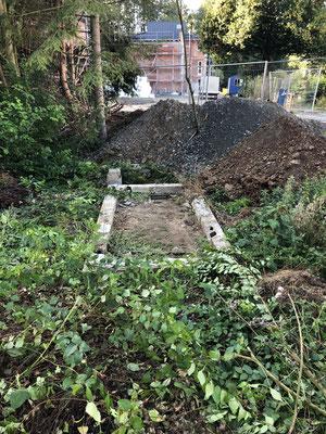 Verschollene Fundamente freigelegt (Foto: NABU-Oberbiel)
