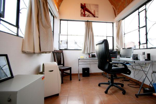 Studio: Office