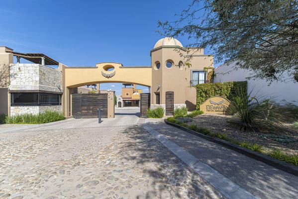 Entrance of El Ensueño