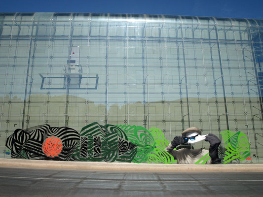 L'HOMME INVISIBLE / REC-PAUSE-PLAY - Jean Rooble & Odeg - Spraypaint on plastic film - 3 x 18 m - Graffic Art Festival #9 - Puteaux (2019)