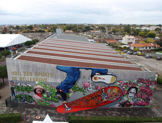 VIBRATIONS URBAINES #13 - Jam - Spraypaint on wall (10 x 30 m) - Pessac, 2010