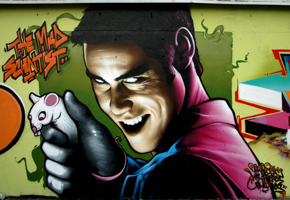 The Mad Scientist (detail) - JEAN ROOBLE - Spraypaint on wall (2 x 2 m) - Mérignac, 2013