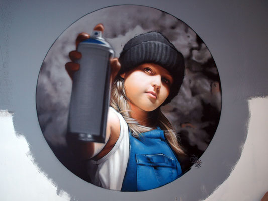 ANGEL'S SMOKEHOUSE - JEAN ROOBLE - Spraypaint on wall - ø 2 m - Bordeaux, 2018