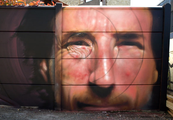 Yann - JEAN ROOBLE - Spraypaint on wall (2 x 4 m) - Exhibition Le Grand 8 - Malakoff (2016)