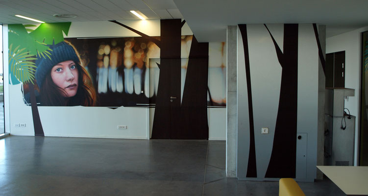 Cha at Autumn - JEAN ROOBLE - Spraypaint on wall (3 x 12 m) - Kedge Business School - Talence, 2018