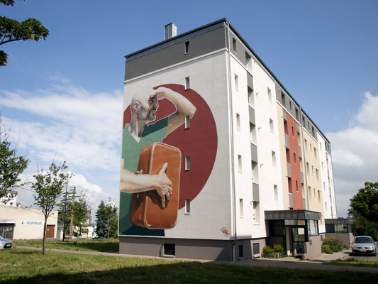 LE CUIR USE D'UNE VALISE - Jean Rooble - Spraypaint and acrylic on wall - 12 x 9 m - Festival MX29 - Morlaix (2020)