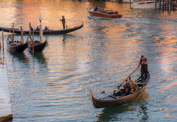 Les gondoliers du grand canal