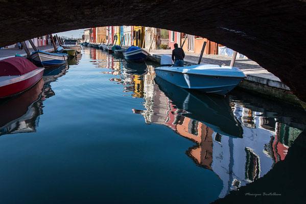 Sous les ponts de Burano
