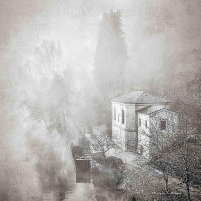 La maison dans la brume