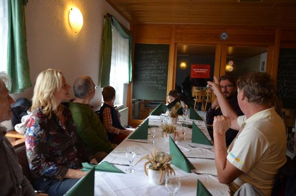 In der Gaststätte Helenenstein...