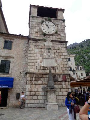 Der Uhrturm - Wahrzeichen der Altstadt von Kotor