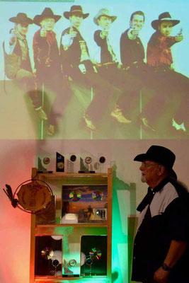 Ubbo betrachtet die Awards, Preise und Geschenke