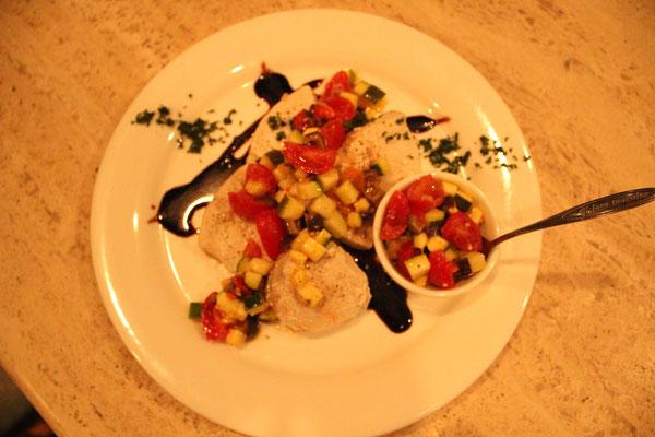 メカジキのコンフィ 島野菜のサルサ