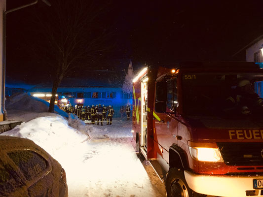 Einsatz Wohnungsbrand in Wiggensbach - Kleidung auf Nachtspeicherofen Feuer gefangen