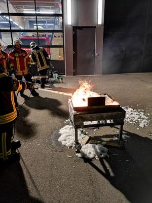 Feuerwehr Ermengerst - Schaumübung 2019