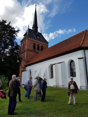 Die Südfassade der Kirche