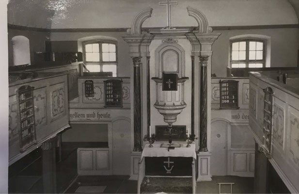 Innenraum der St. Michaeliskirche vor der Renovierung
