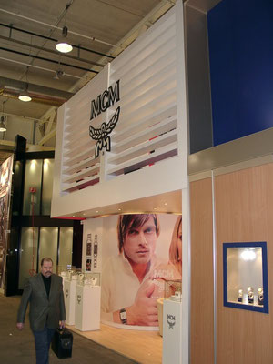 Adhésif blanc imprimé, laminage mat. Salon international de la bijouterie de Bâle.