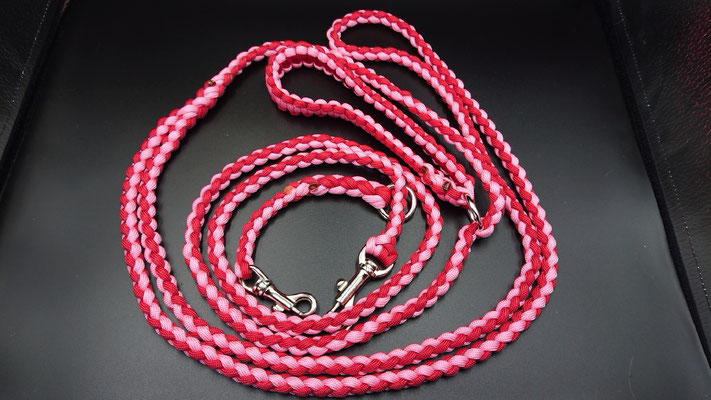 Kさんちのリード レッド×ローズピンク 同系色の色づかいで暖かく優しい感じになりました
