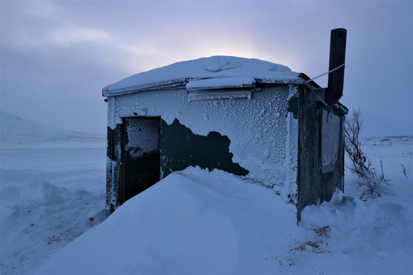 The green shack in the Chilkat Pass the next morning...