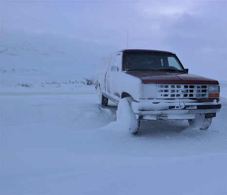 Our poor Ford Ranger had to spend the night outside in the blizzard!