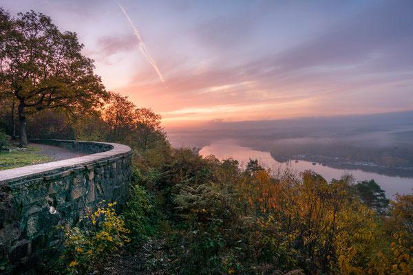 November 2018 - An der Korte-Klippe im Schellenberger Wald. Auf der Suche nach Nebel...