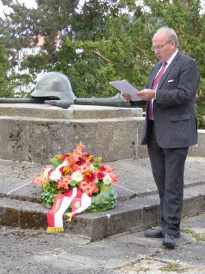 Kranzniederlegung am 40er Denkmal, Ansprache von Herrn Dr. Stüssi-Lauterburg