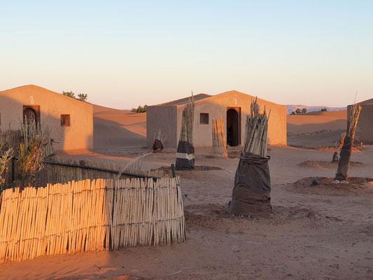 Guide de voyage : bivouac fixe Mhamid