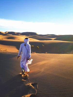 """Une marche dans le Sahara Marocain """"Graine de désert"""""""