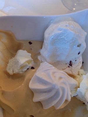 Gebrannte Creme, Meringue und Vanilleeis
