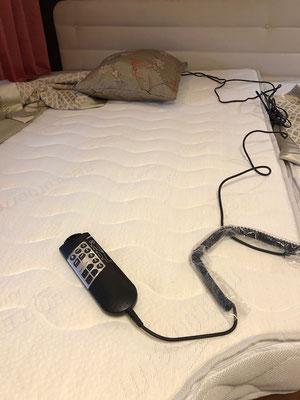 Eine Massage-Matratze, die dich so richtig durchschüttelt