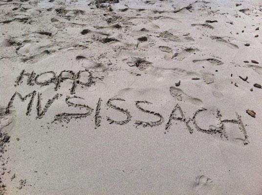 Sogar in Ibiza am Strand wurden die Daumen gedrückt