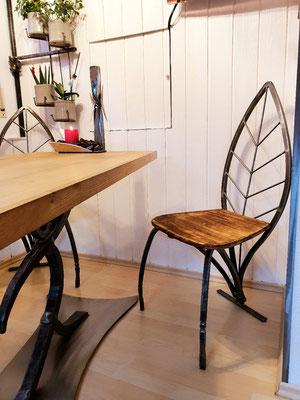 geschmiedeter Küchenstuhl