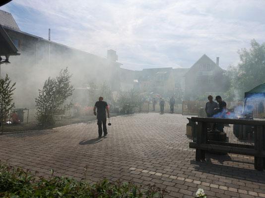 Schmiedetreffen Steinbach-Hallenberg 2019 / Nebel lag über dem Platz und der Geist des Hephaistos wandelte darüber