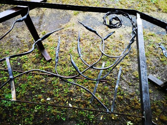 Treffen der Schmiede in der alten Schöpf´schen Schmiede in Niefern-Öschelbronn / Gemeinschaftsprojekt Treppengeländer