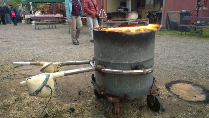 Schmelzofen für Bronze mit Steinkohlebefeuerung