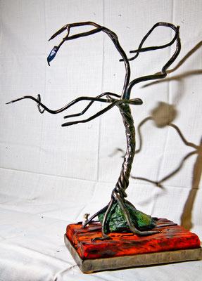 """geschmiedete Skulptur """"Baum"""" aus der Reihe """"Halt"""""""