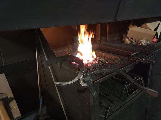 Küchenstuhl aus Eisen in der Schmiedeesse