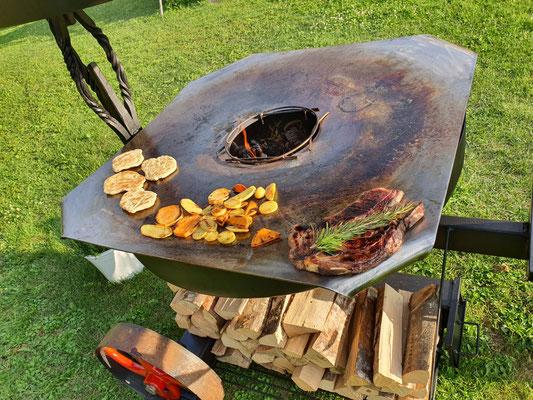 Ein Steak braucht Platz!