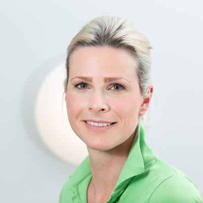 Sandra Hallay: Ich bin seit 2015 in der hiesigen Praxis als Medizinische Fachangestellte tätig. Meine Ausbildung habe ich bei einem Dermatologen gemacht.