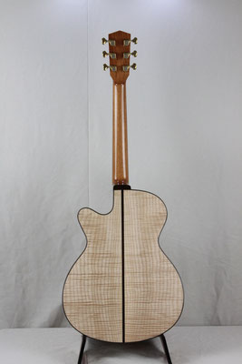 Model  000-RC  カーリー・メープル