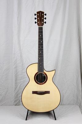 Model  000-SC  ハカランダ
