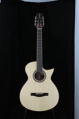 Model  000-SC  カーリー・マホガニー