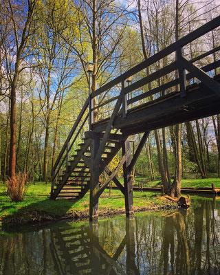 kleine Brücken verbinden die Spreewaldfließe