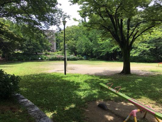 茶屋ヶ坂公園_南側遊具の広場_002