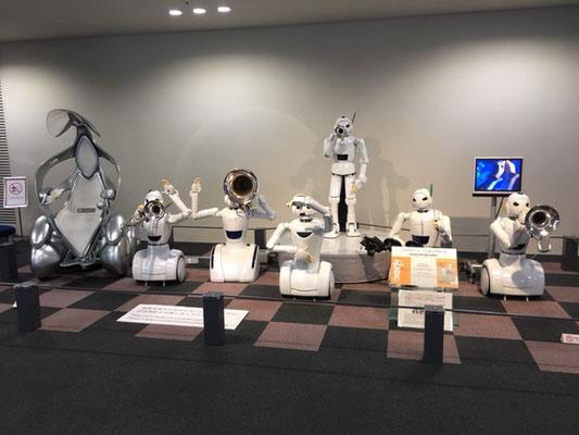 トヨタ産業技術記念館_パートナーロボット_002